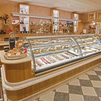 Arredamento panificio urbinatius old bakery with for Bombieri arredamenti